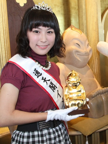 通天閣初のイメージガール・松井悠理さん