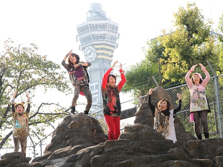 天王寺動物園のおりの中で「オバチャーン」がPV撮影