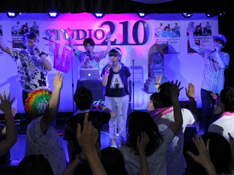 スタジオ210でハイグラビティーがレコ発イベント