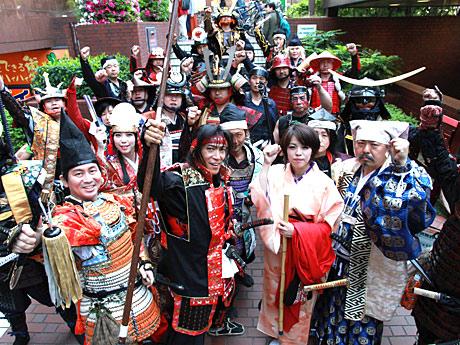 上本町に戦国武者が集結