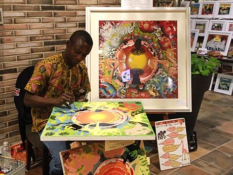 「アフリカン現代アート ティンガティンガ原画展」でライブペインティング