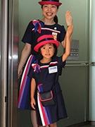 あべのハルカスで子どもが仕事体験 エレベーターガールや販売スタッフなど