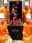天王寺ミオでバレンタインイベント 専門学生がチョコレートオブジェをライブ製作