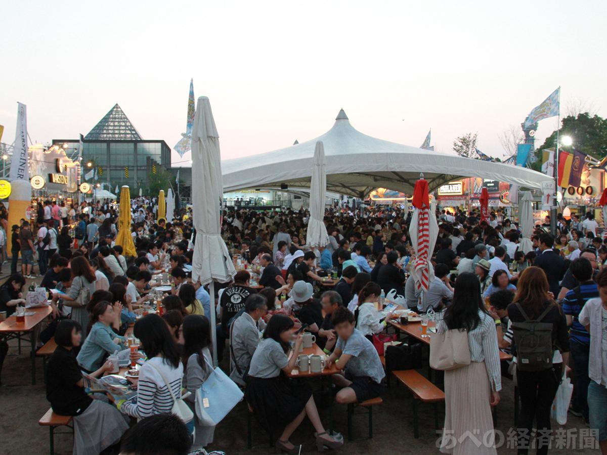 天王寺公園「てんしば」でオクトーバーフェスト(2016年開催時の様子)