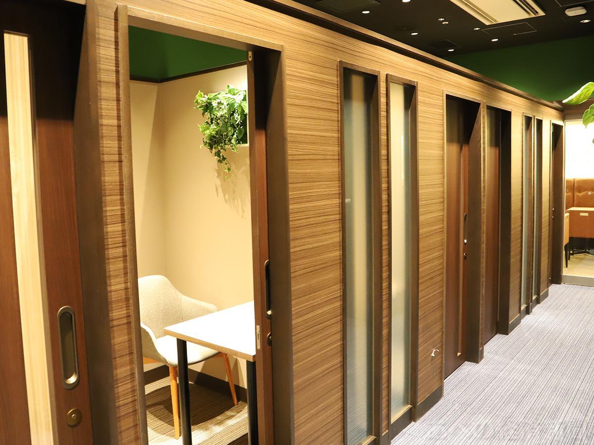 プライベートルーム10室を設置する「カフェチャオプレッソDue」