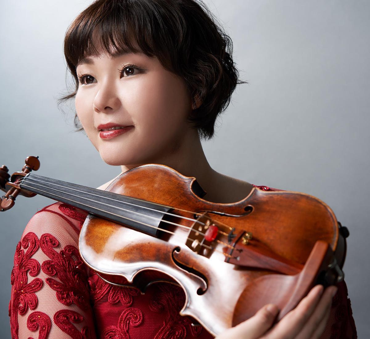 日本センチュリー交響楽団のコンサートマスター松浦奈々さん