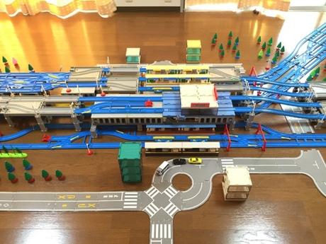 プラレールで再現された北千住駅