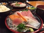 足立区役所近くに海鮮丼・魚介料理店「うおなみ」 漁師町出身店主が開く