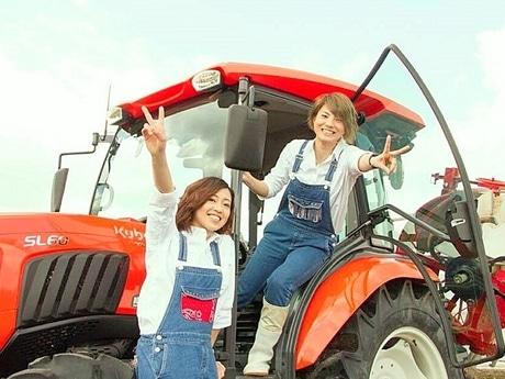 秋田の農業女子ユニット「きらきら農園」の2人