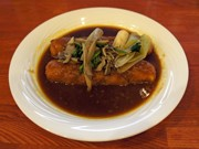秋田空港レストランが「きりたんぽカツカレー」-季節限定メニューが話題に