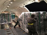 熊本空港に救援機約1000便 24時間運用で被災地支援に活用