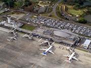 高松空港、民営化へ 運営権売却正式発表、仙台空港に続く2例目