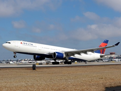 Delta to Fly 21 Charter Flights to Honolulu from 10 Regional Airports