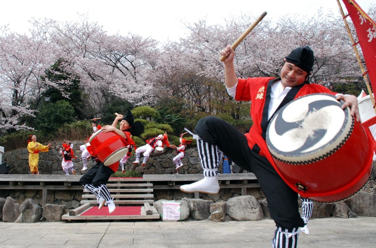 過去の「北区さくらSA*KASO祭り」の様子(エイサー太鼓演奏)