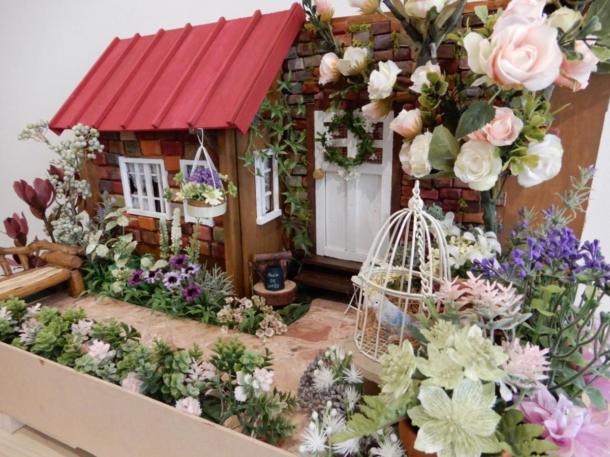 美紗子さんの作品「英国式箱庭」 屋根の色は栄治さんのアイデア