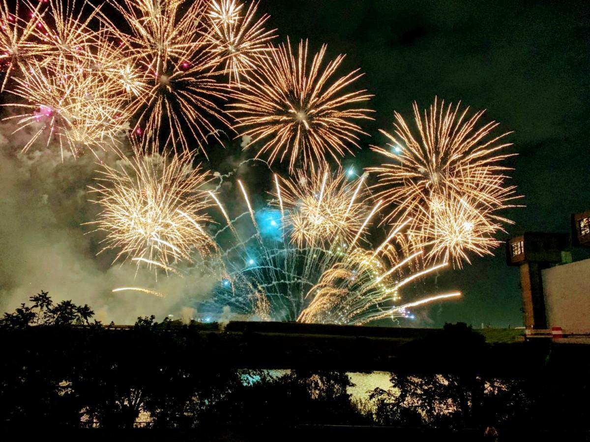今年は8888発の花火が打ち上げられた