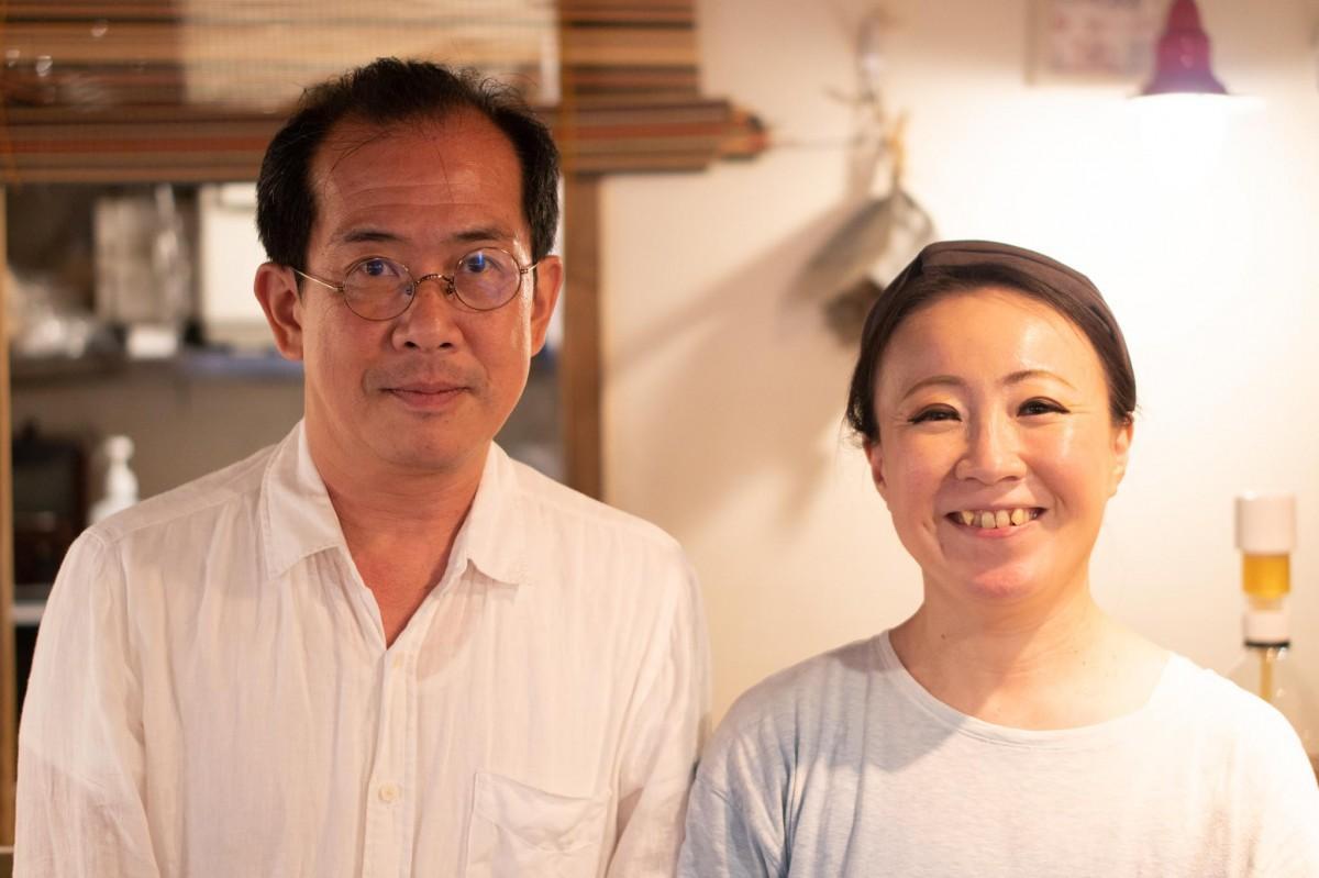 しかのいえ鹿野さん(左)とセンジュ出版の吉満明子さん(右)