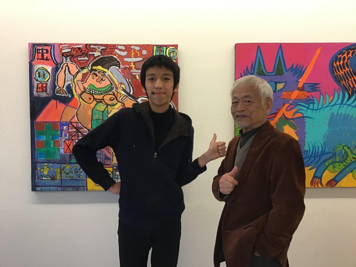 Jギャラリー&カフェオーナーの竹居正武さん(右)とギャラリー所属作家の竹居 晄さん(左)
