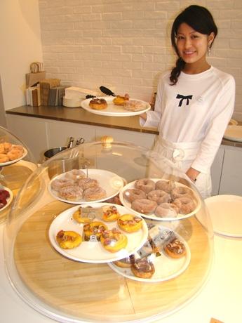 赤坂にオープンしたドーナツ専門店「Neyn」の店内の様子。