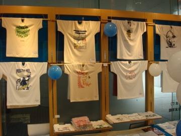 昨年行われたイベント会場の様子。Tシャツは約130種類用意する