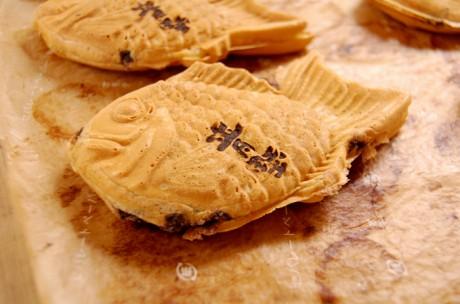 数量限定で販売する「たい焼き」。たい焼きの一つひとつに「青野」の焼印が
