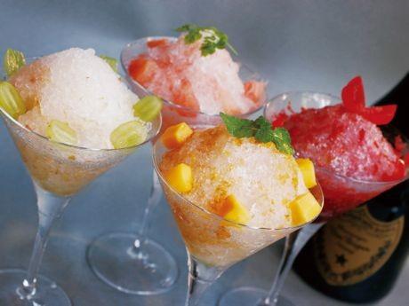 今年から追加された「ピンクグレープフルーツ」を含む4種のドンペリかき氷