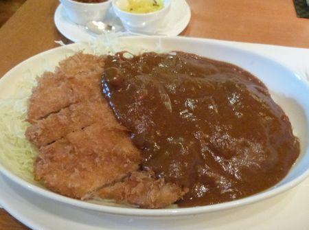 カフェレストラン「SATSUKI」の「ポークカツカレー(フィレ)」(3,520円、税・サービス料込)