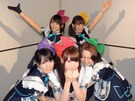 イベントに出演するshukaさん(上段左)、ちーぬさん(上段右)、さくらさん(下段左)、Yuzuさん(下段真ん中)、 レイコ・カニーナさん(下段右)