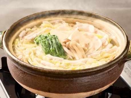 同店のメニュー「豚バラと白菜のミルフィール鍋」