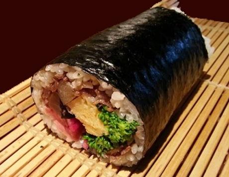 「赤坂 金舌」系列11店が黒毛和牛入り恵方巻き販売へ 料理長のコンペで具材を決定
