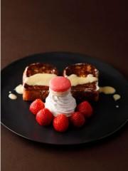 ニューオータニで新作「ブリオッシュフレンチトースト」 4月下旬までは「あまおう」添えて提供