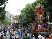 今年も「赤坂氷川祭」開催 中村鴈治郎さん扮する大岡越前守が登場