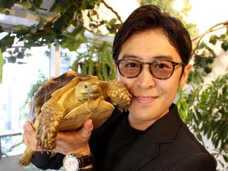 「赤坂をもっと盛り上げていきたい」と話すオーナーのヨシダアキヒロさん