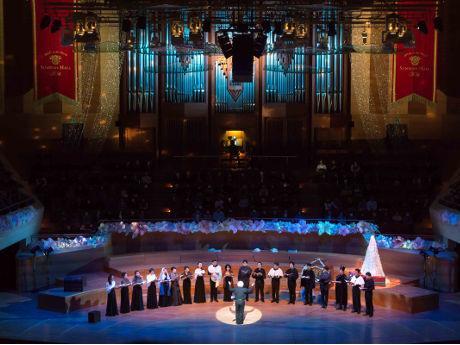 昨年のクリスマスオルガンコンサートの模様(写真提供=サントリーホール)