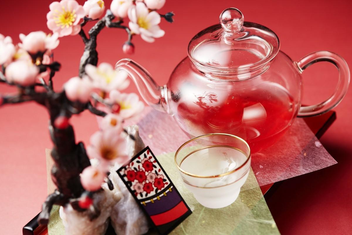 3月・4月は「桜に幕」をイメージした梅酒ベースのカクテル