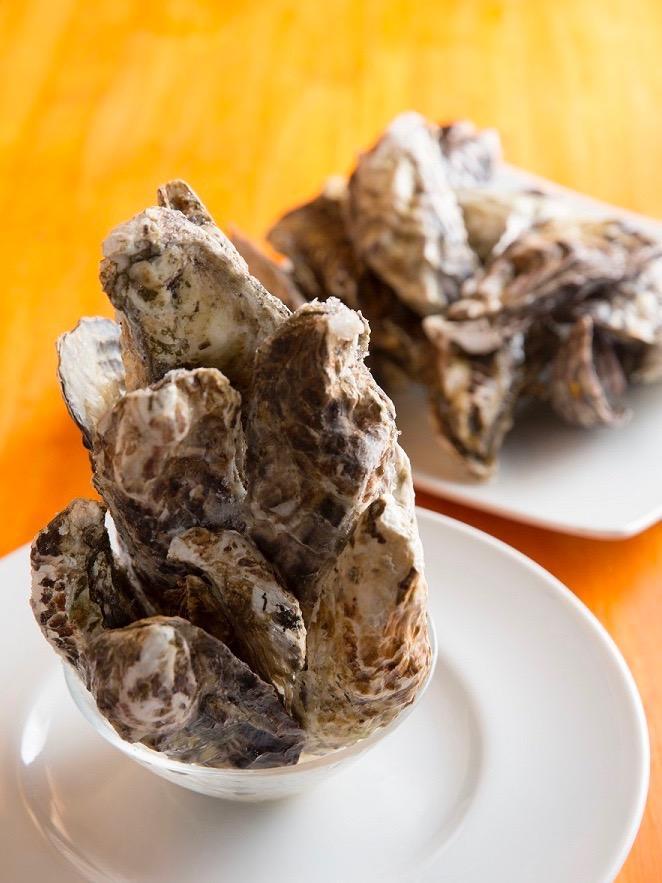 達成した分のカキが味わえる、同店が企画する「牡蠣ジェンガ」