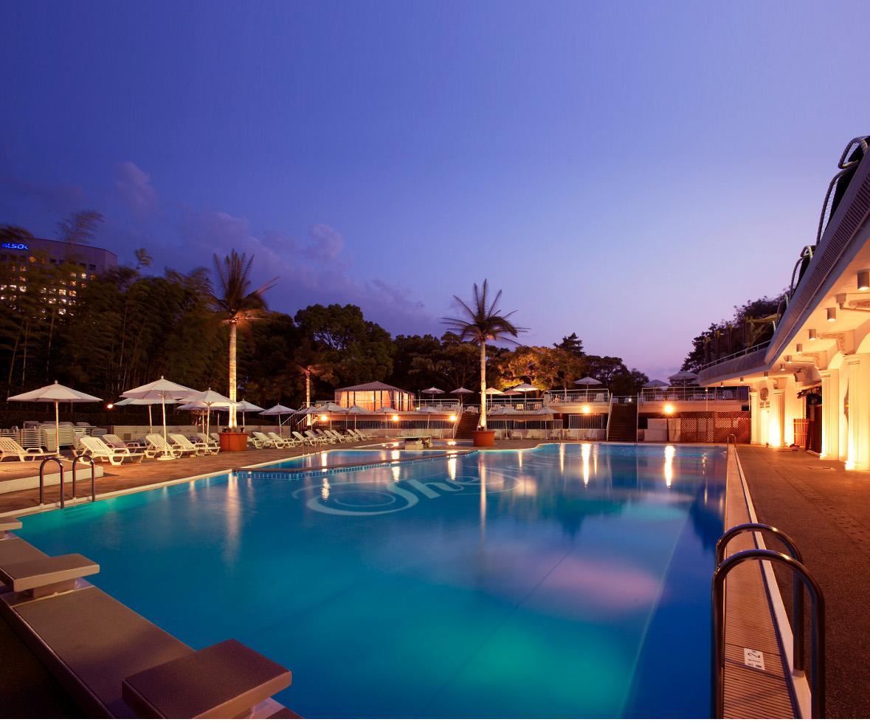 金曜日と土曜日に期間限定でオープンするホテルニューオータニのナイトプール