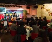 赤坂で今年も「食べないと飲まナイト」 52店舗が参加、音楽ライブも開催