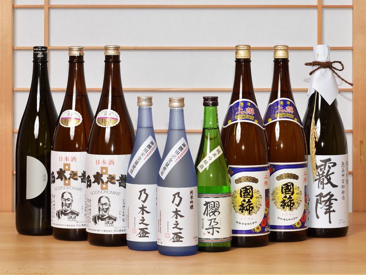 左から「宇賀神社」「乃木神社(2種類)」「学習院大学」「函館 乃木神社」「鹿島神宮」のお酒