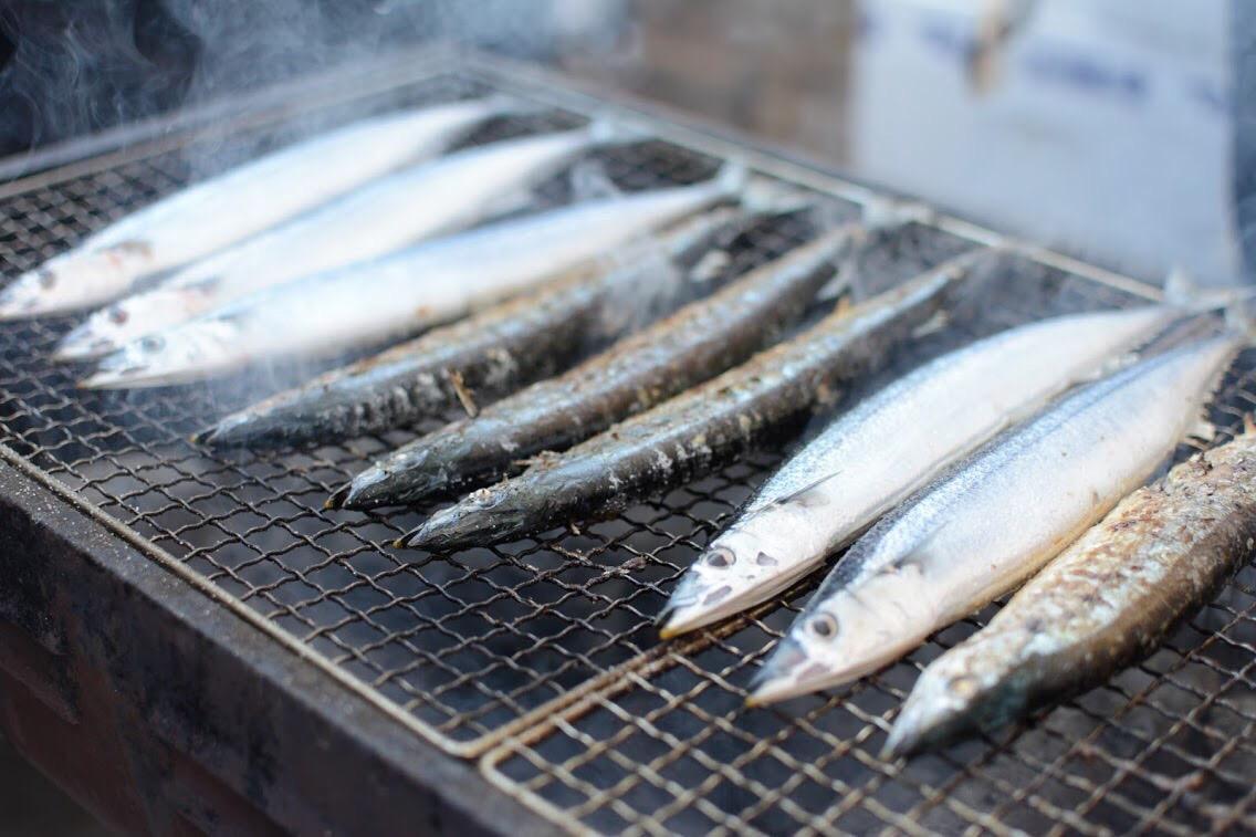 来店者全員に「三陸さんまの塩焼き」の無料配布を行う同イベント