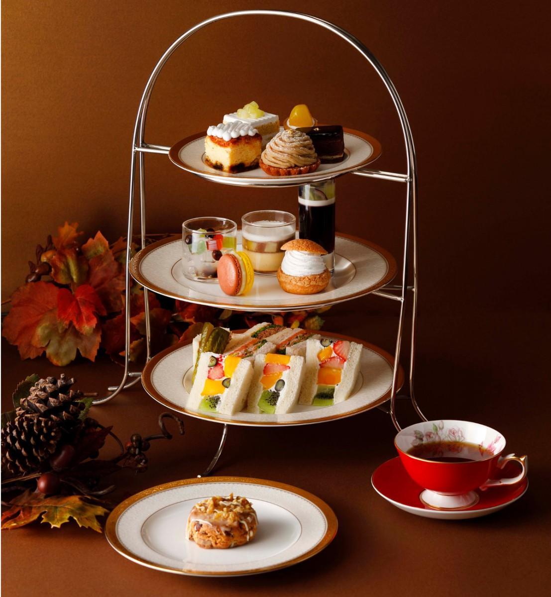 「アフタヌーンティーセット~秋~」のティーポットで提供する紅茶はお代わり自由