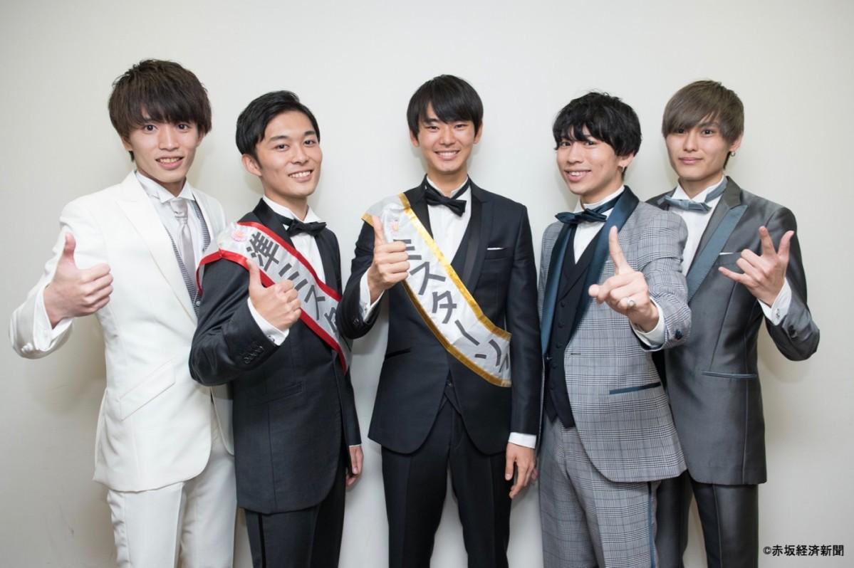 左から山崎和真さん、矢治拓弥さん、林芳洋さん、森亮輔さん、奥雄太郎さん