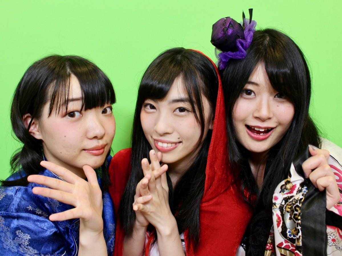 (左から)佐藤亜沙美さん、宮澤美琴さん、平山千夏さん