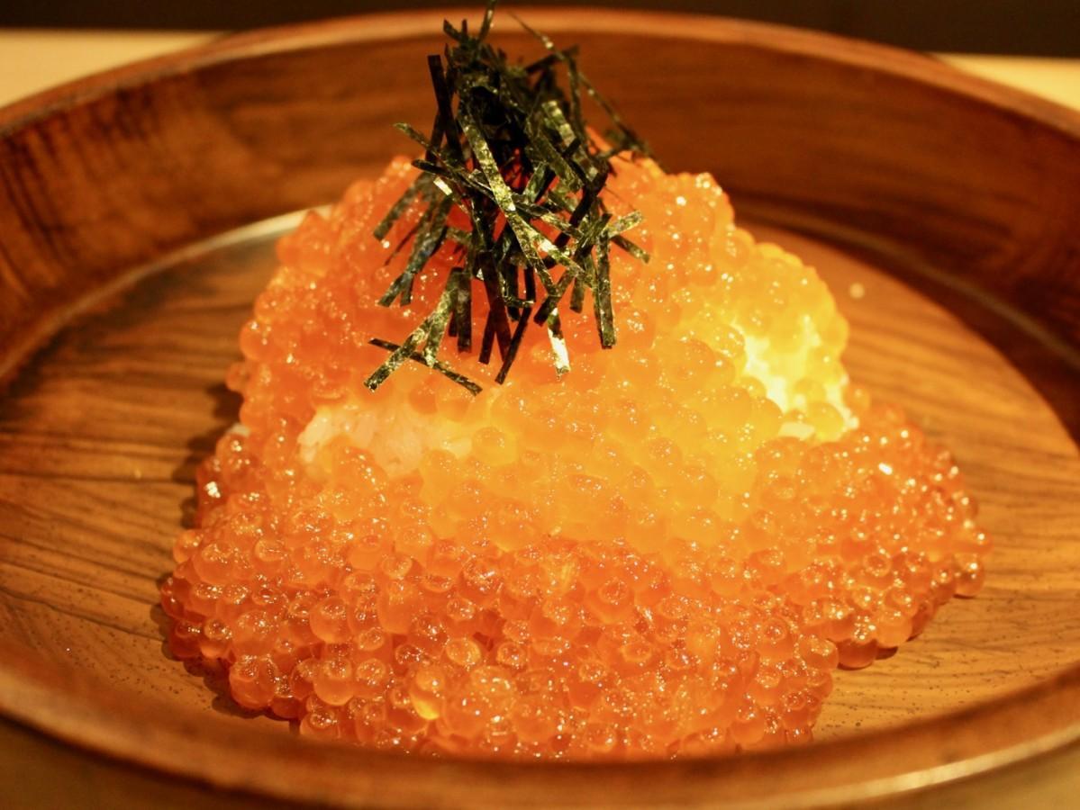 500グラムの北海道産のいくらを使った「漁師のいくら飯」