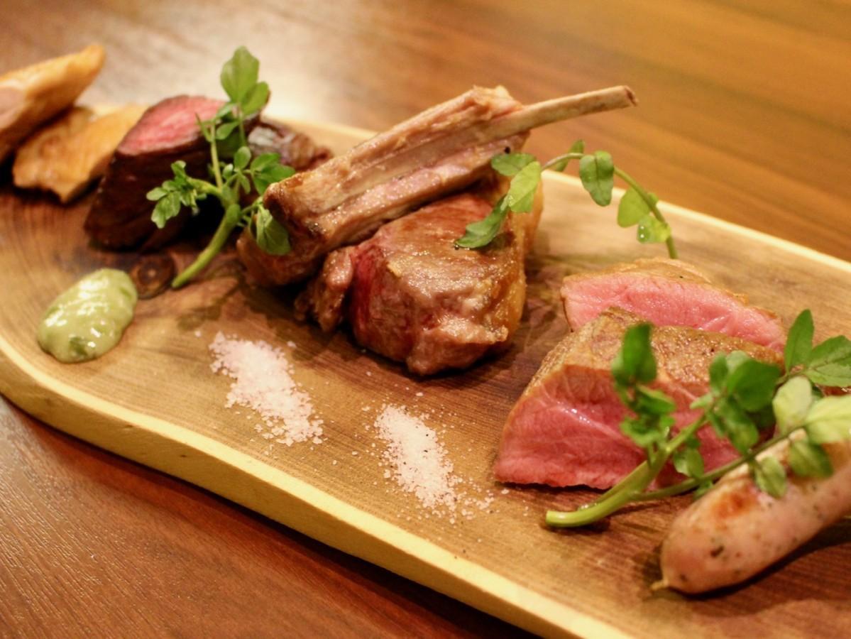 29日に一日限定で提供する5種類の肉の盛り合わせメニュー