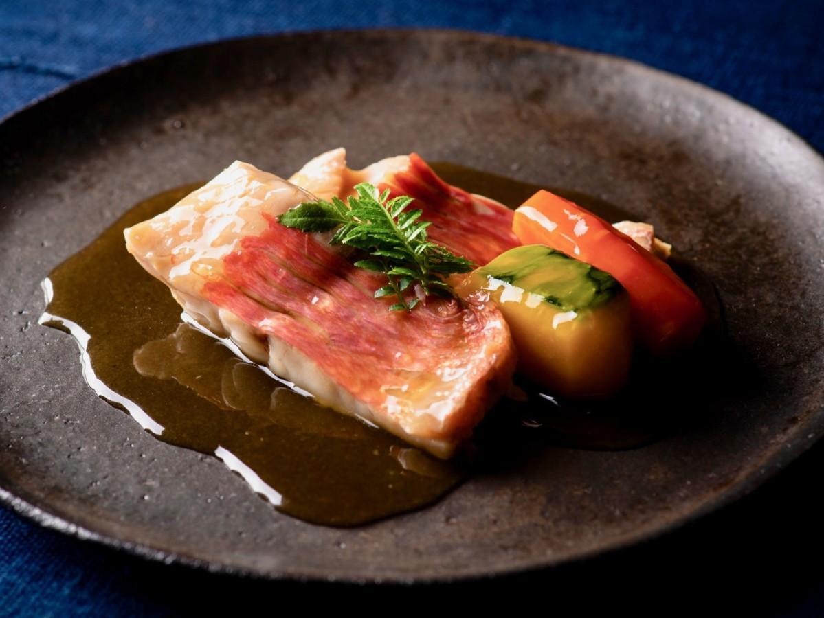 「鮮魚の炙りカルパッチョ仕立て」
