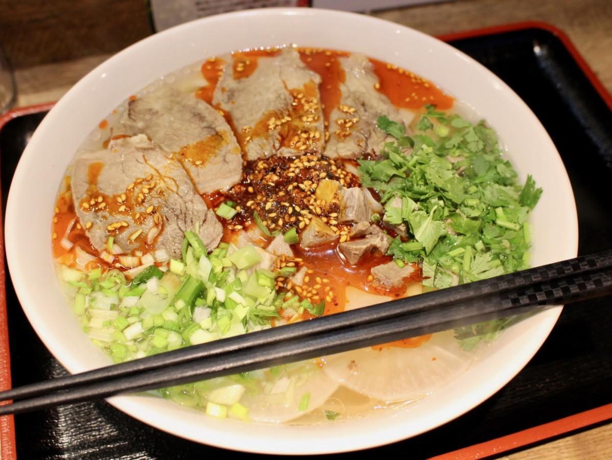 同店で提供する「蘭州牛肉麺」
