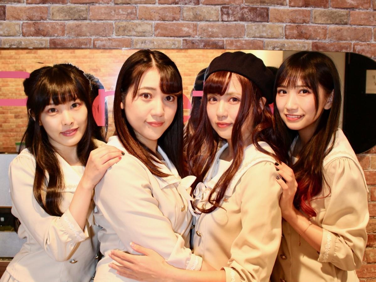 (左から)ココさん、柘植みさきさん、奏谷鈴さん、小日向くるみさん