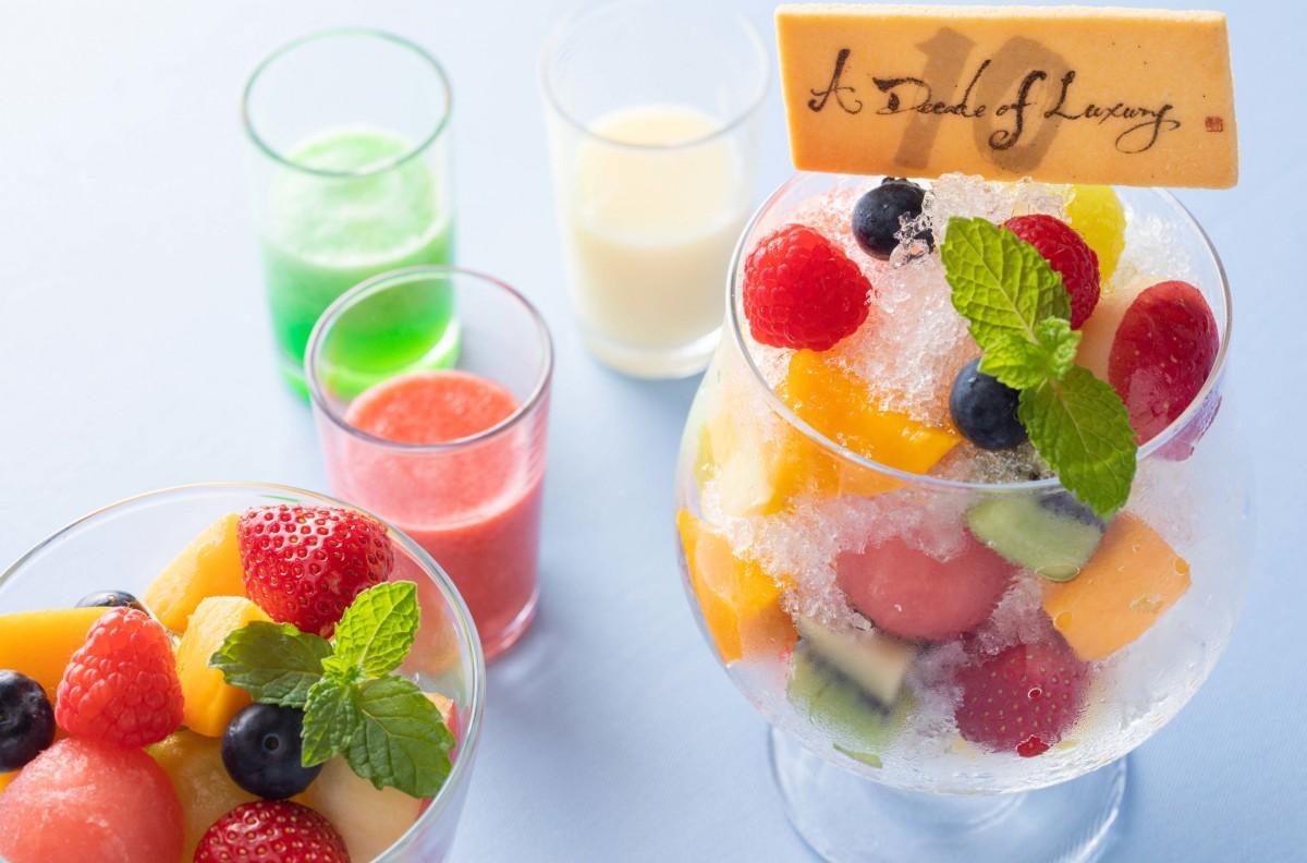 3種類のソースが付いた新作「ORIGAMIかき氷 フルーツ10」