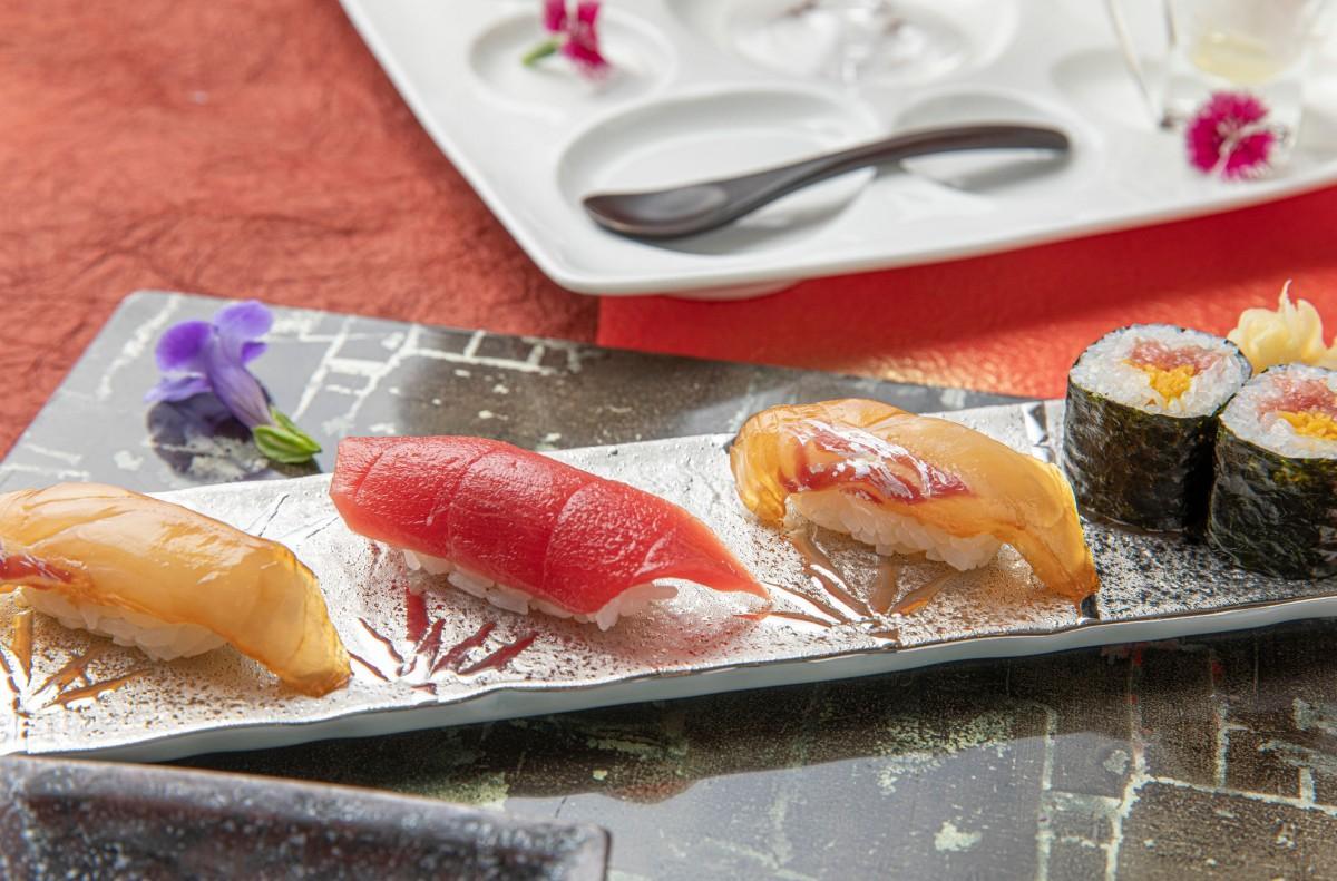 同コースに盛り込む「島寿司」、マグロ、トロタク